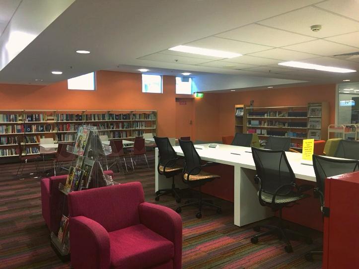 써니뱅크 힐스 도서관 자유롭게 공부 및 독서를 할 수 있는 공간