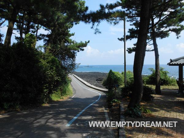 제주 환상 자전거길: 쇠소깍 인증센터 - 표선해변 인증센터