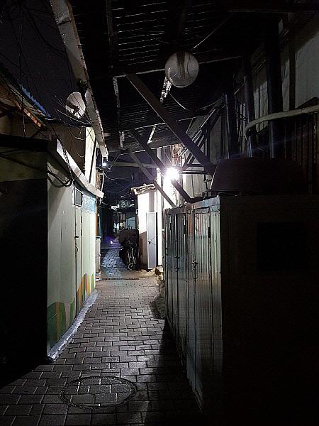 ソウル 旅行 観光名所 - 永登浦駅 スラム