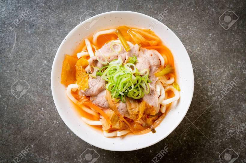 우삼겹 김치 우동 요리