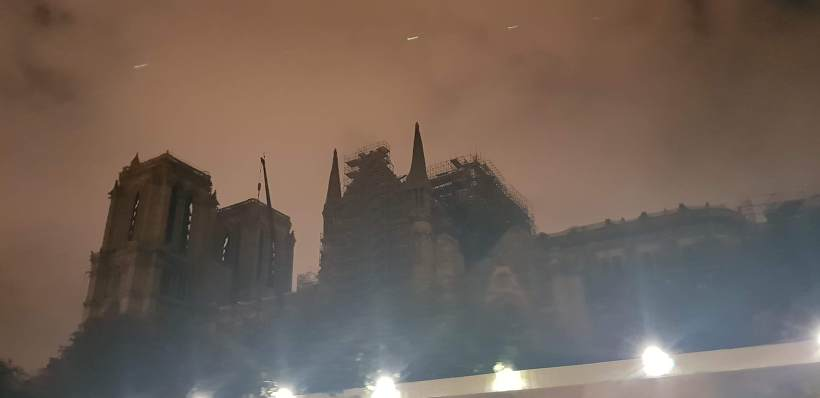바토 파리지앵 노트르담 성당