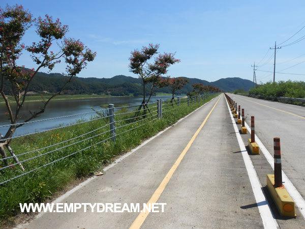 국토종주 자전거길: 무심사 - 합천창녕보 - 함안 강나루 오토캠핑장