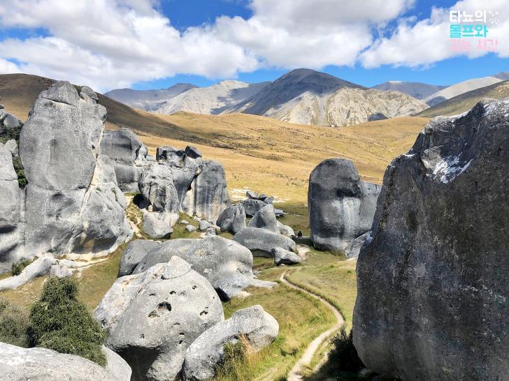 Castle Hill 캐슬힐 나니아연대기 반지의제왕 촬영지 뉴질랜드 크라이스트처치 근교 여행 치치 아서스패스 풍화작용 돌산 소풍