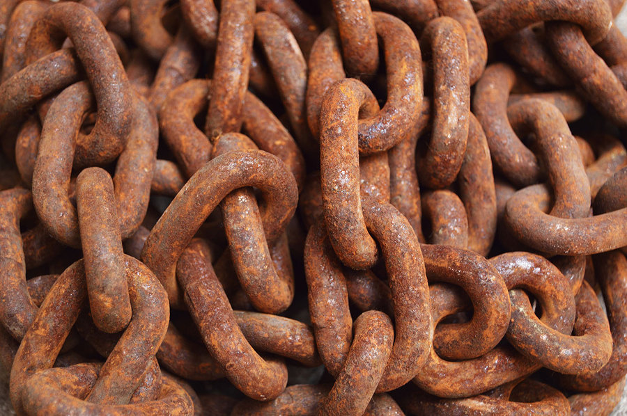 https://www.pexels.com/photo/aged-brown-chain-close-114108/