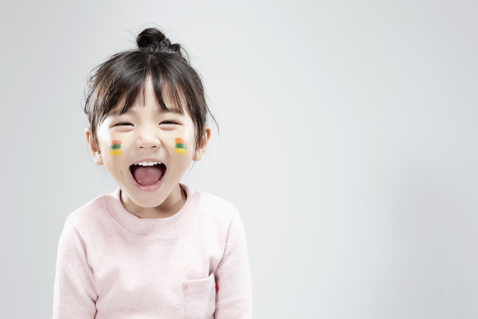 웃는 아이 행복 미소