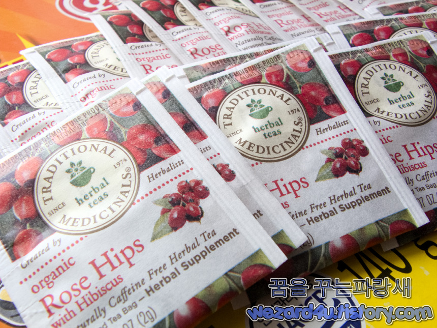 Traditional Medicinals Organic RoseHips with Hibiscus 내용물 1