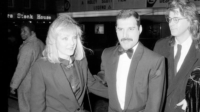 사진: 공식석상에서 프레디 머큐리는 메리 오스틴을 부인처럼 데리고 다녔다