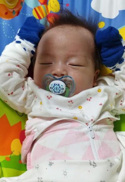 잠자는 예쁜 아기