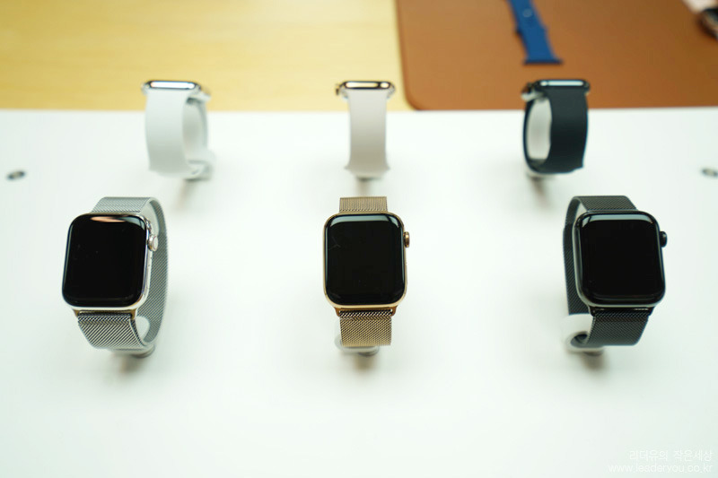 애플워치 시리즈4 메탈 밴드 3가지 색상