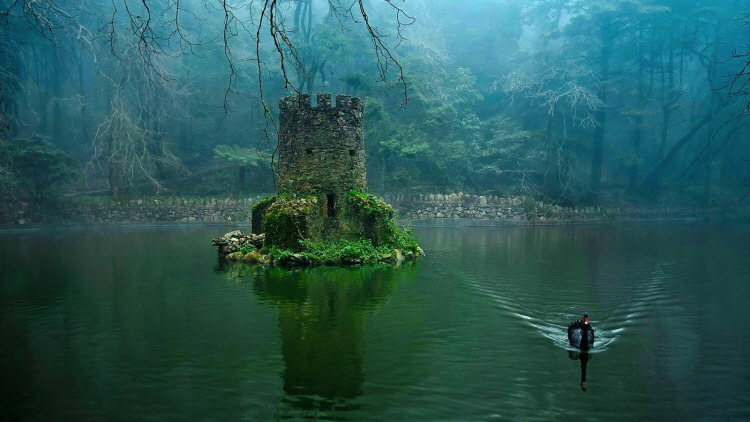 16. abandoned Sintra Pena Palace lake
