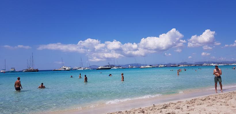 포르멘테라 섬 이예테스 해변