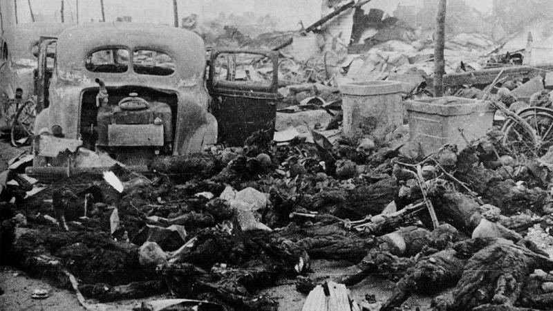 사진: 히로시마 원자폭탄 투하 후의 당시 모습