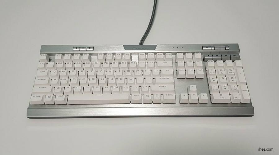 커세어 Corsair K70 RGB 기계식키보드
