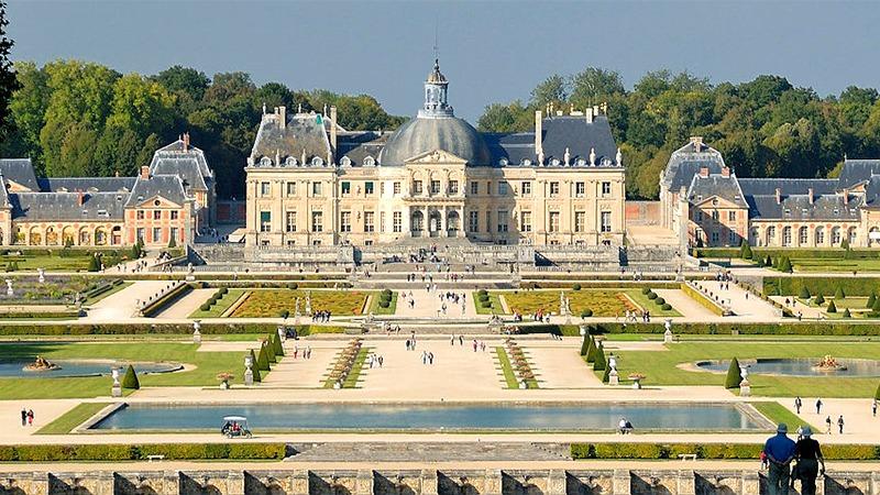 사진: 베르사유 궁전의 모델이 된 보르비콩트성 (니콜라 푸케의 성)의 모습
