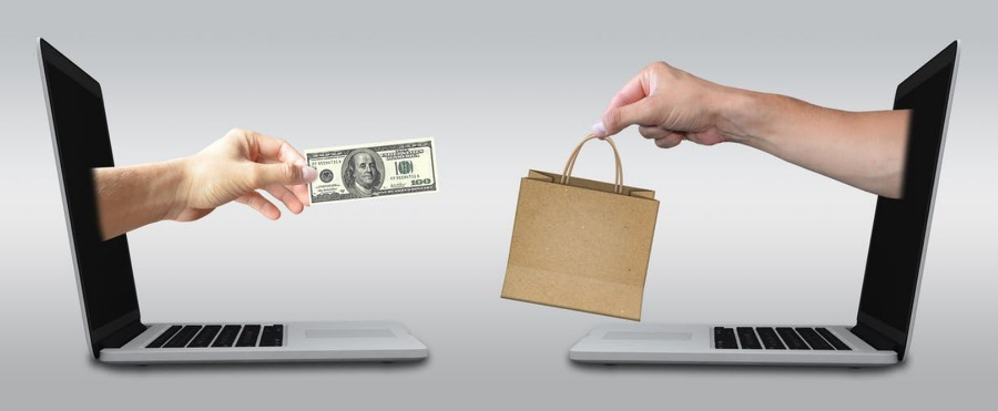 https://www.pexels.com/de-de/foto/bezahlen-business-e-commerce-einkauf-356042/