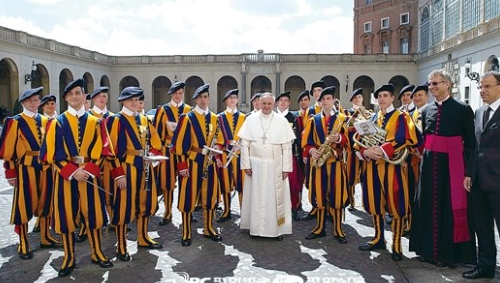 교황 지키는 스위스 근위대