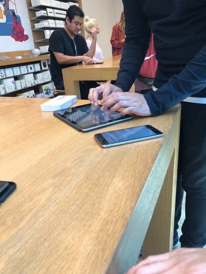 애플 스토어 아이폰 배터리 교체 29달러..과연 이 가격이 진짜일까요?
