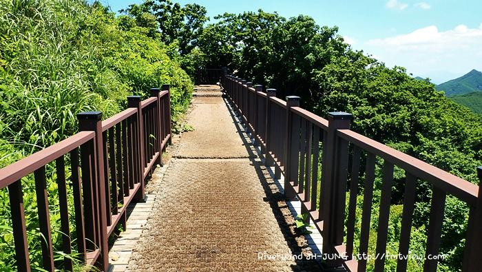 민주지산 계단