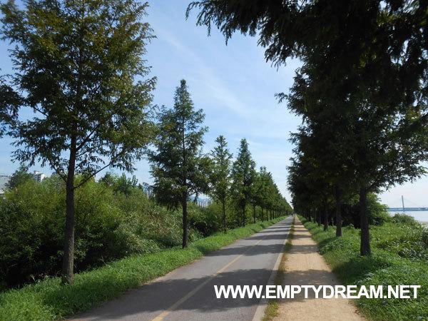 국토종주 자전거길: 양산 물문화관 인증센터 - 부산 낙동강 하구둑