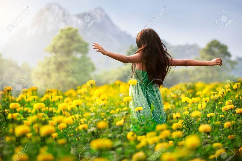 노란꽃 소녀