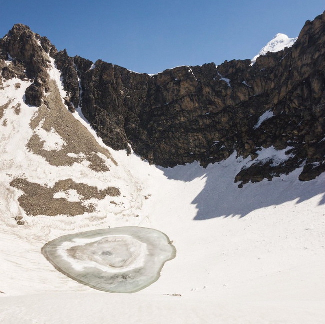 7. skeletons of Roopkund Lake