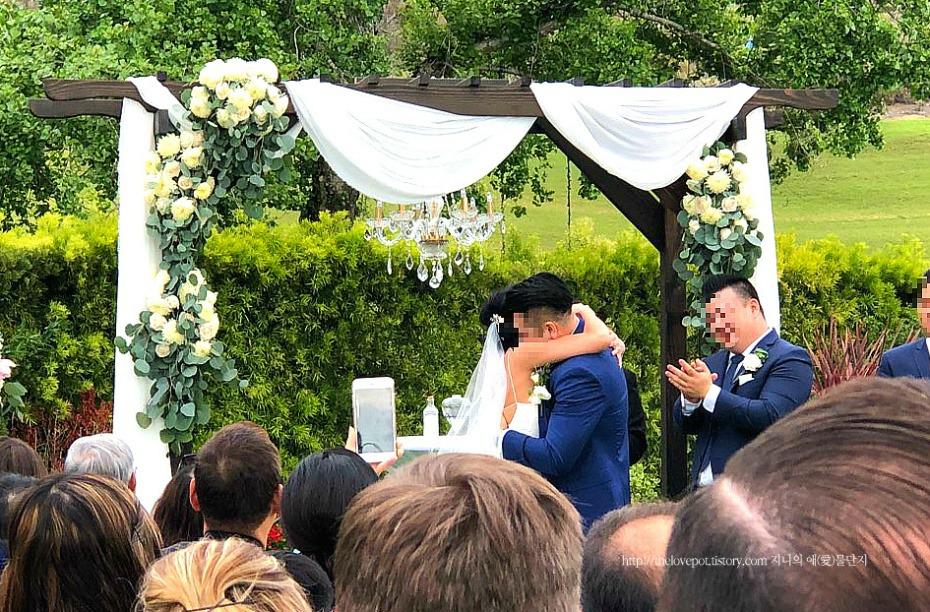 여유로웠던 캘리포니아에서의 야외 결혼식 그리고 웨딩 케이크에 얽힌 이야기 [ 미국 결혼식 문화/ LA 일상 ]2