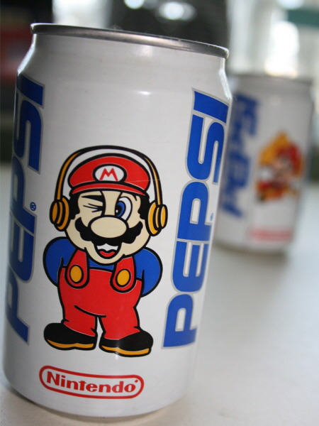Pepsi-limited-edition-Mario Bros.