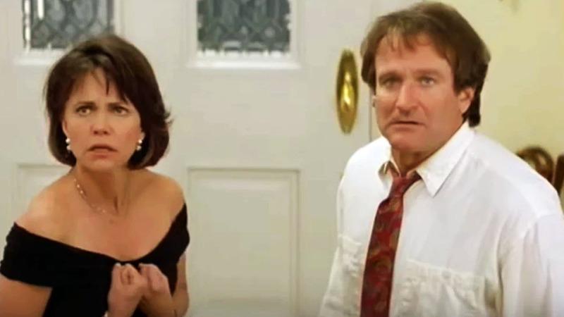 샐리 필드와 로빈 윌리엄스는 이혼을 하게 된다