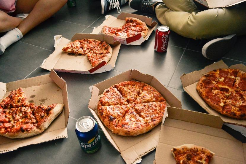피자나라치킨공주영업시간