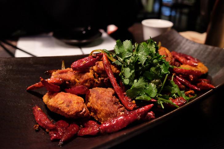 시추안 하우스 사천식 매운 닭날개 튀김