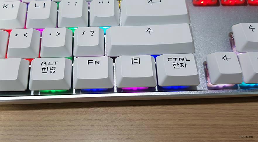 아콘 기계식 키보드 TITANIUM DX 입니다