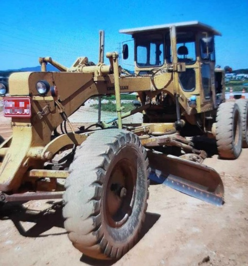 for sale used  Motor Grader, Caterpillar, CAT 12F, 1969year, Hydraulic cyclinder changed, good working condition,   smgyo@naver.com,