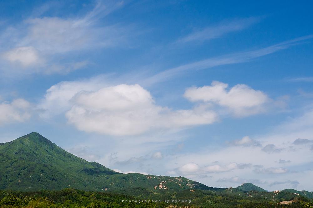 산과 구름
