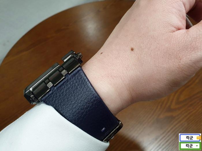 큰손목시계,대형손목시계,큰사이즈 손목시계,코난시계,Oulm,Oulm손목시계