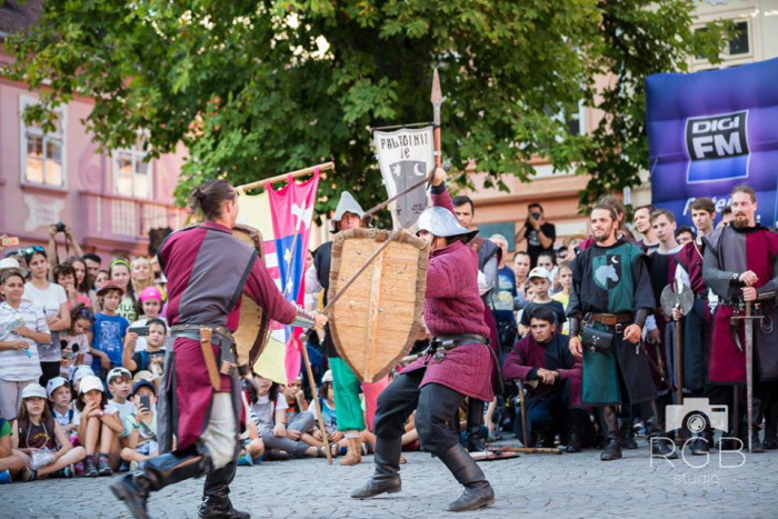 Sighisoara-Medieval-Festival-battle