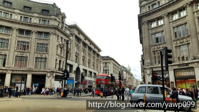 [영국] 2일차 런던 쇼핑! 디즈니스토어/Accessorize 액세서라이즈/피카딜리서커스/옥스포트서커스