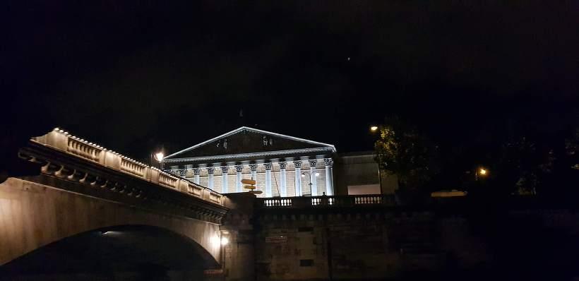 바토 파리지앵 부르봉 궁전