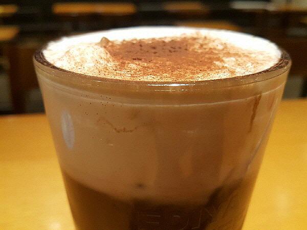 블랙모카슈페너 커피