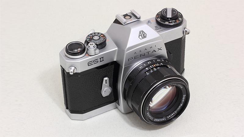 사진: 펜탁스의 ES2 카메라. 수십년간 지배했던 전통적인 필름카메라.