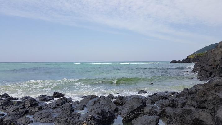 현무암과 바닷물