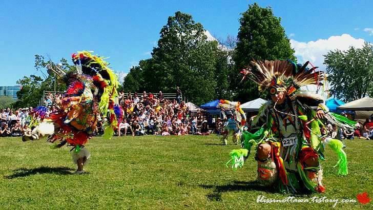 캐나다 원주민 여름 축제입니다