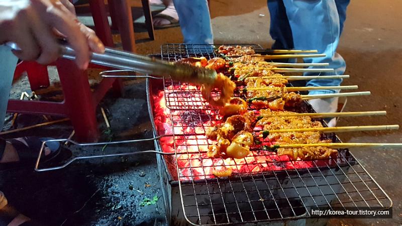 [베트남-호이안 밤거리]한국말잘하는 총각네 야식사기