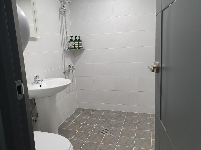 아디오스_화장실