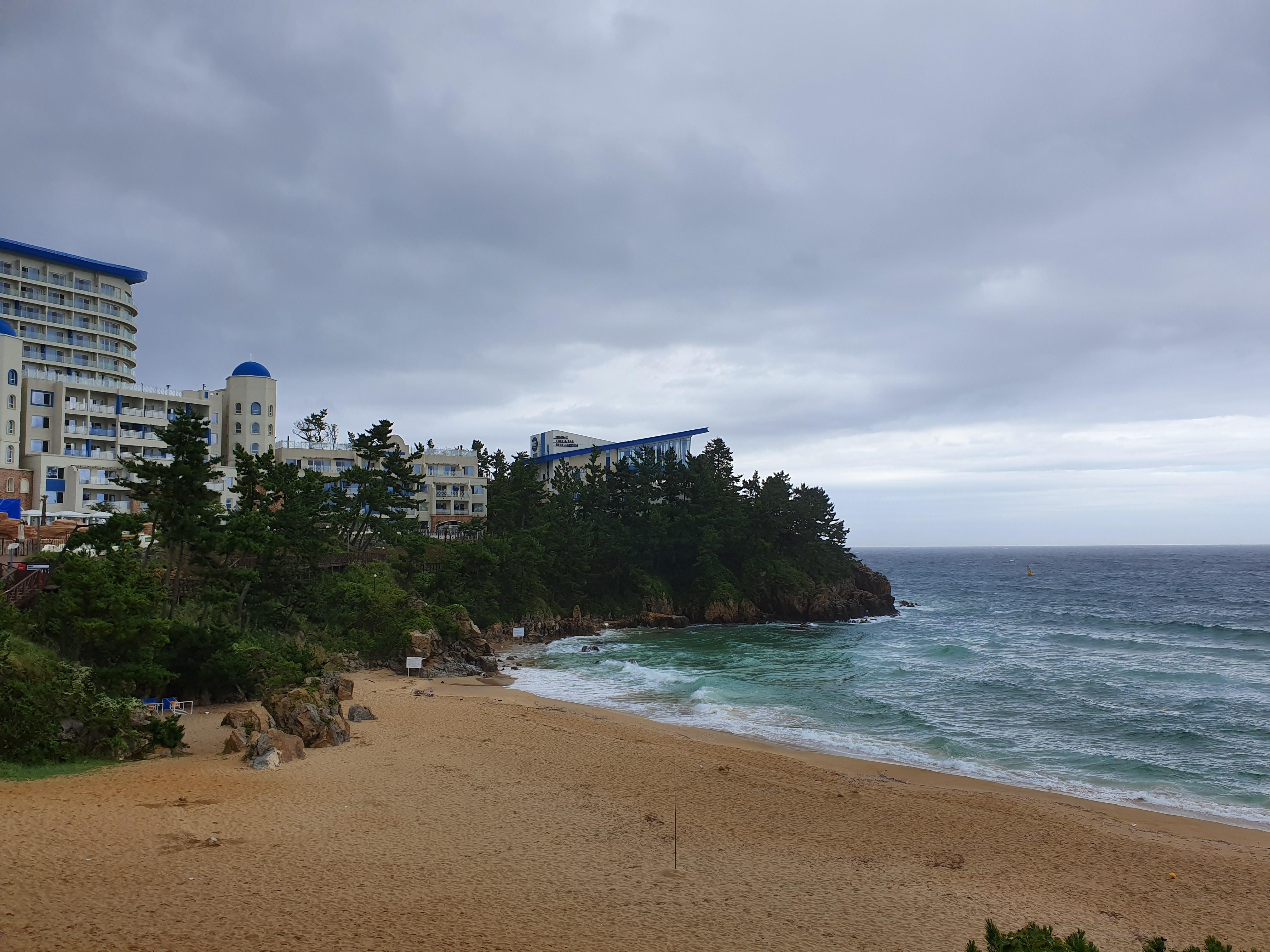 9월초 강릉 여행(3) : 쏠비치, 비구름 가득 늦여름 바다