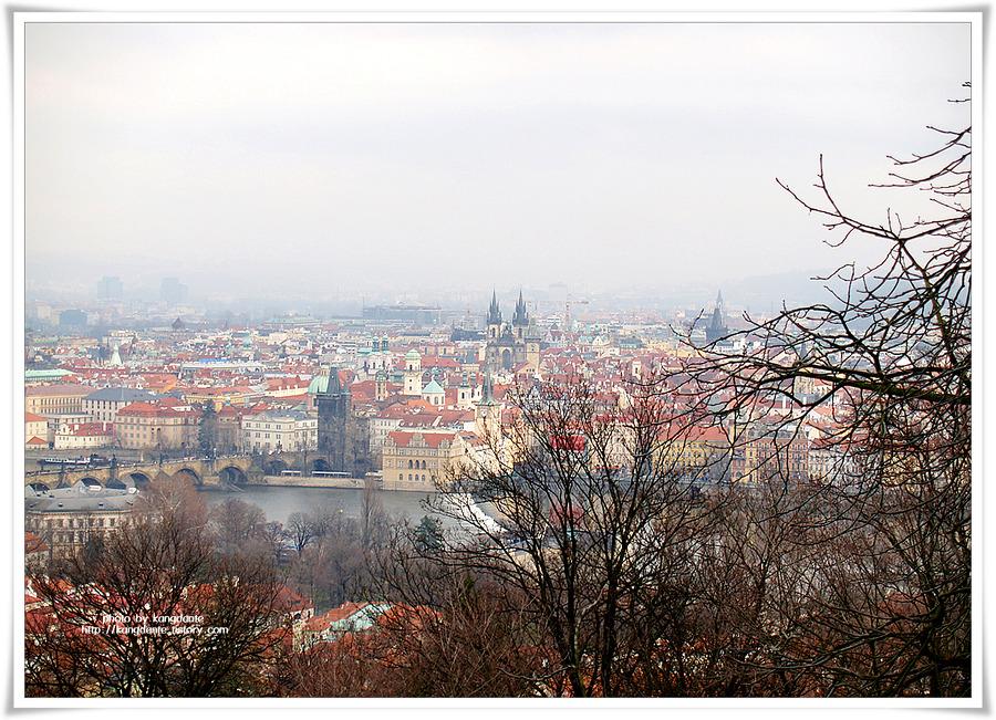 체코 프라하 시내를 한눈에 볼 수 있는 페트린 언덕(Petrin Hill)