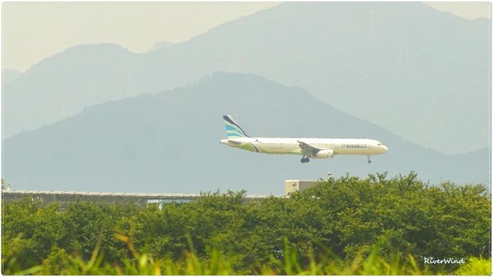 저공비행-비행기 하강