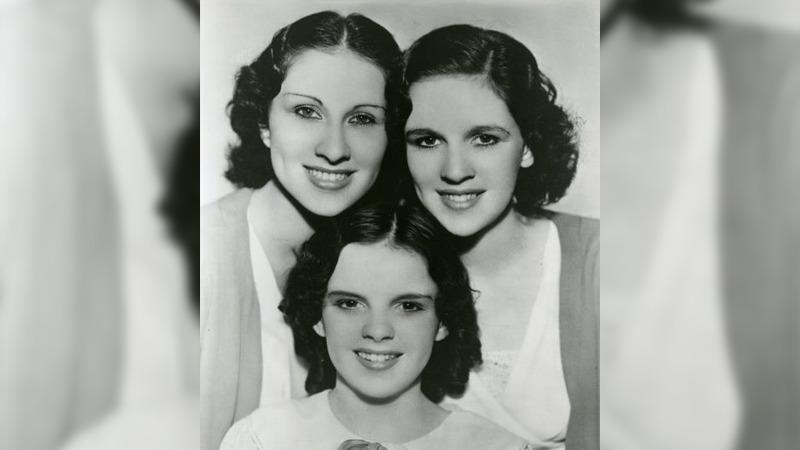사진: Gumm Sisters. 어린 시절의 주디 갈란드와 언니들이 공연을 다니던 때의 검 시스터즈 모습.