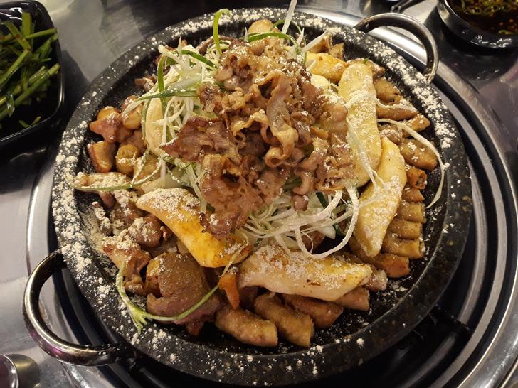 [강남맛집]천사곱창 논현점 - 치즈가루 솔솔 소곱창구이 맛집