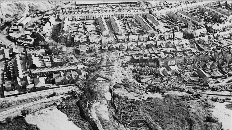 마을 덮친 끔찍한 아베르판 사고 대참사