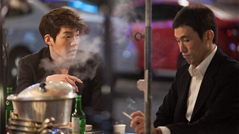 사진: 장동건 아들 김우빈과 그 사실을 모르는 유오성의 술자리